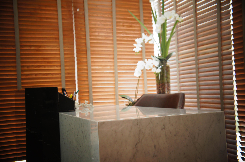 branco carrara mármore marrom imperador quartzo branco quartzo branco  #734123 4912x3264 Banheiro Branco Itaunas